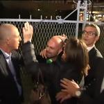 Percosse e insulti al giornalista di Striscia la Notizia, il M5S interroga i ministri Giannini e Alfano